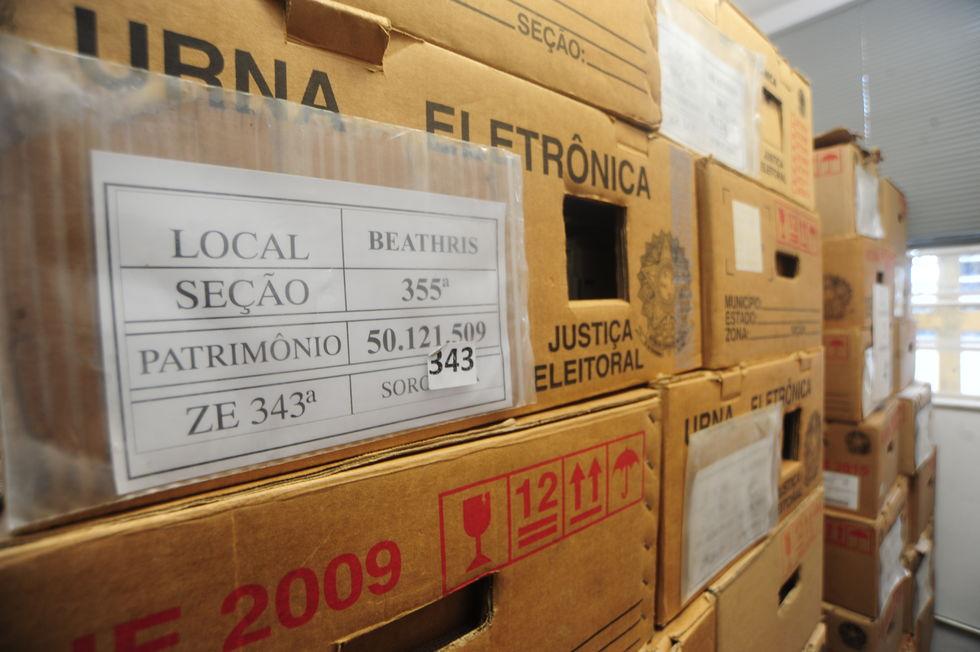 Urnas eletrônicas já estão prontas para domingo