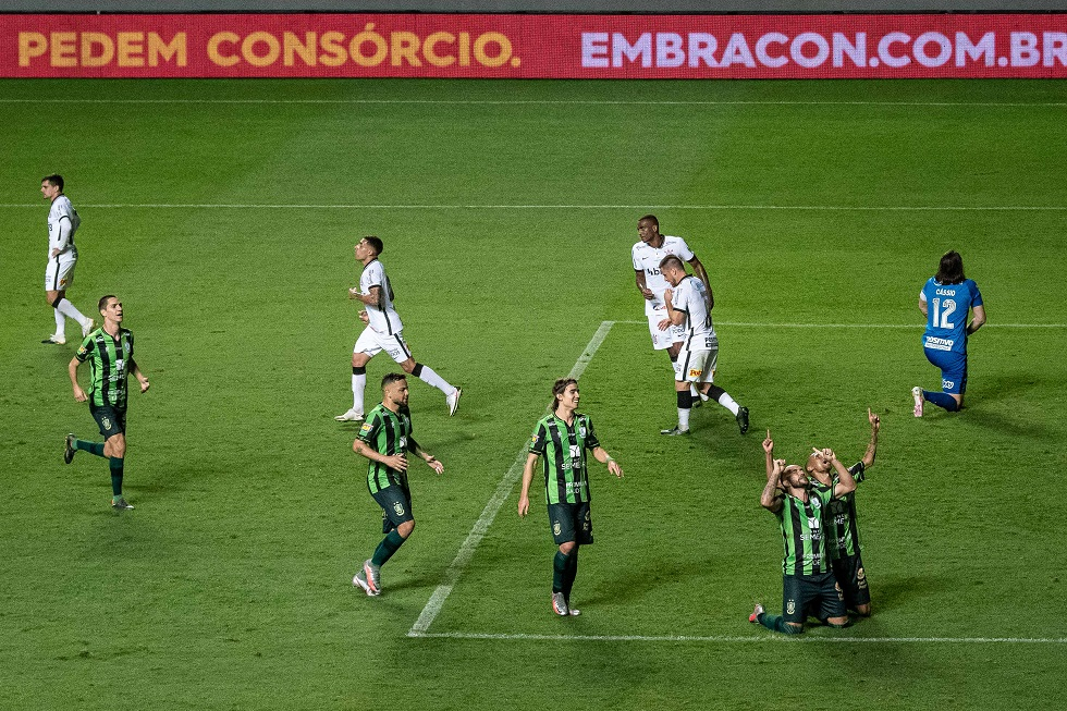 Corinthians empata e cai na Copa do Brasil
