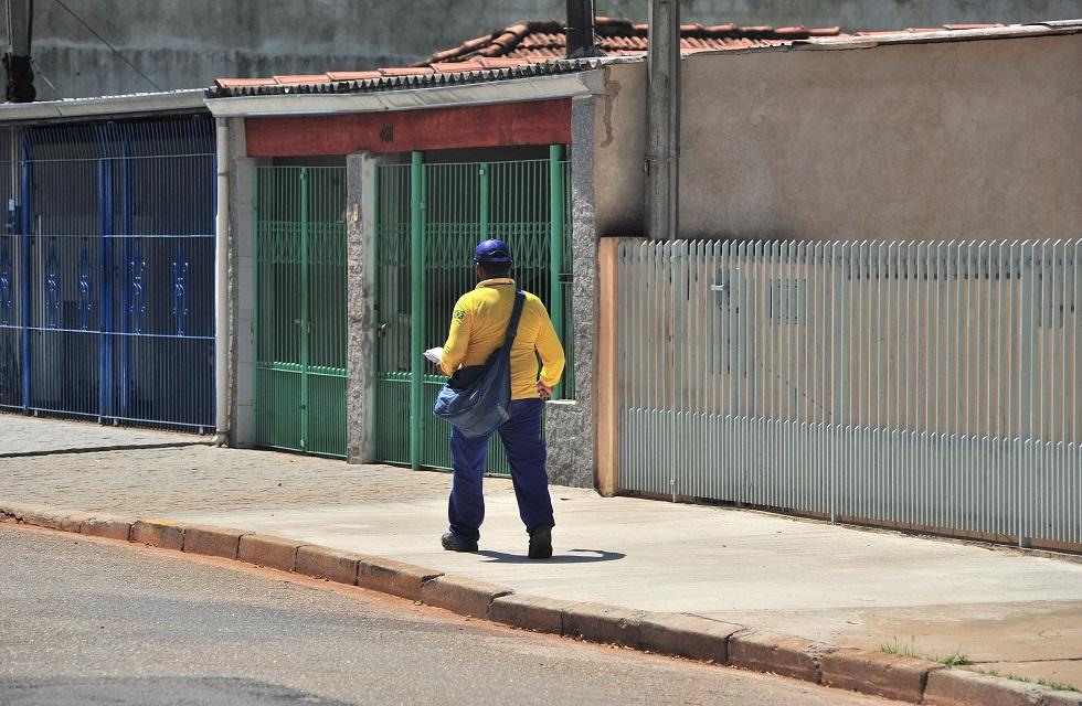 A dupla é suspeito de roubar diversas encomendas e celulares corporativos de carteiros. Crédito da foto: Erick Pinheiro (29/10/2012)