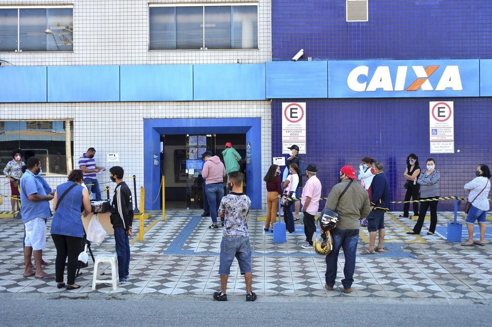 Agências da Caixa abrirão hoje para pagar Auxílio Emergencial