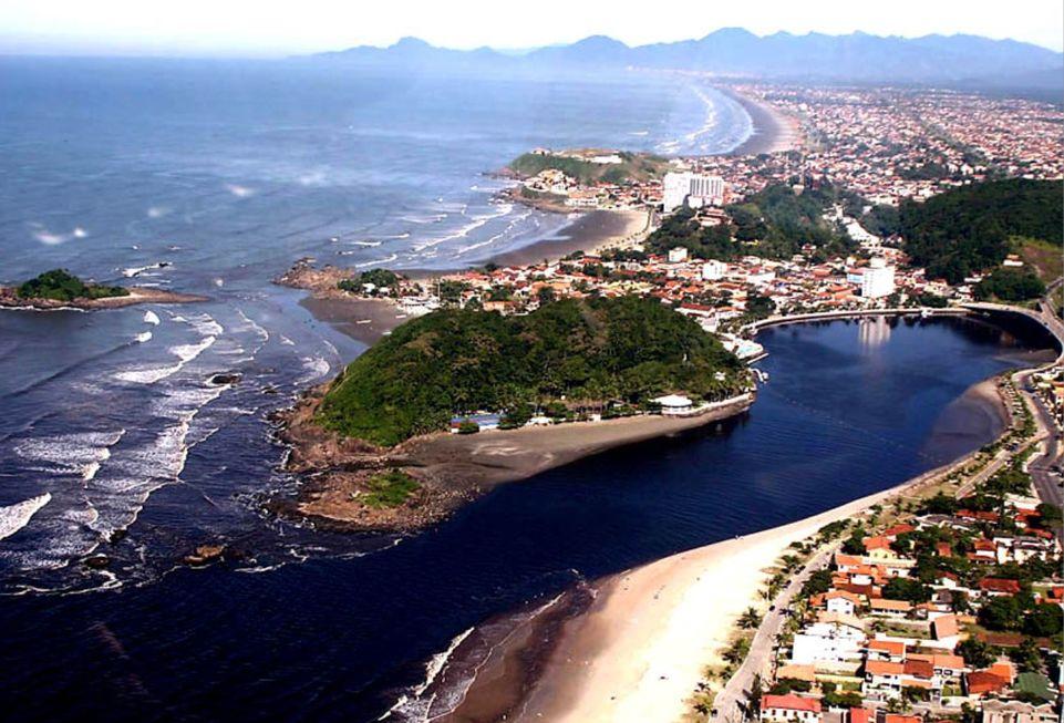 Baixada Santista fecha praias na virada do ano