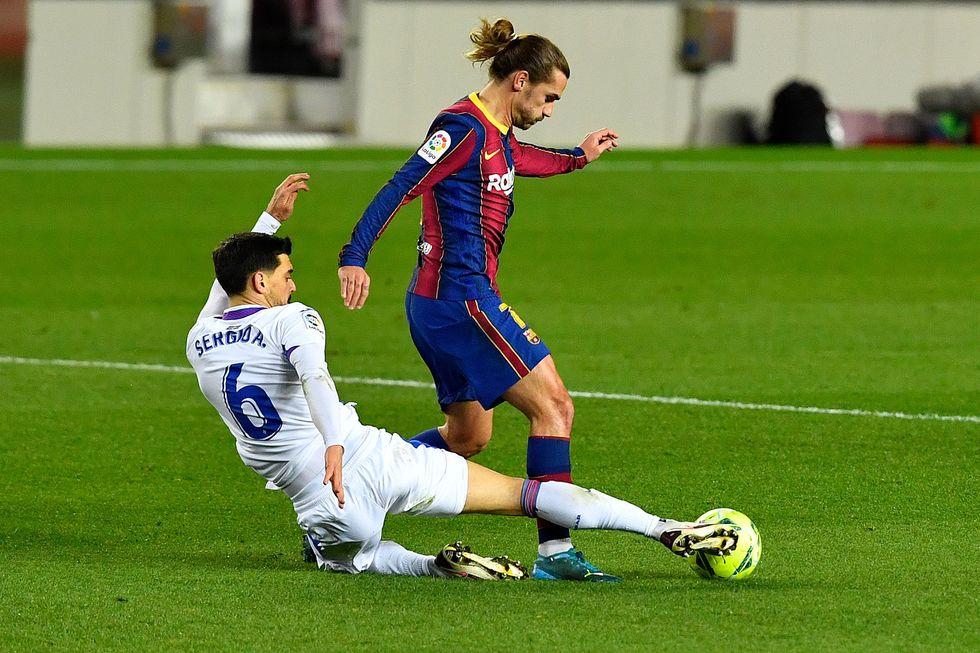 Barcelona fecha ano com novo tropeço
