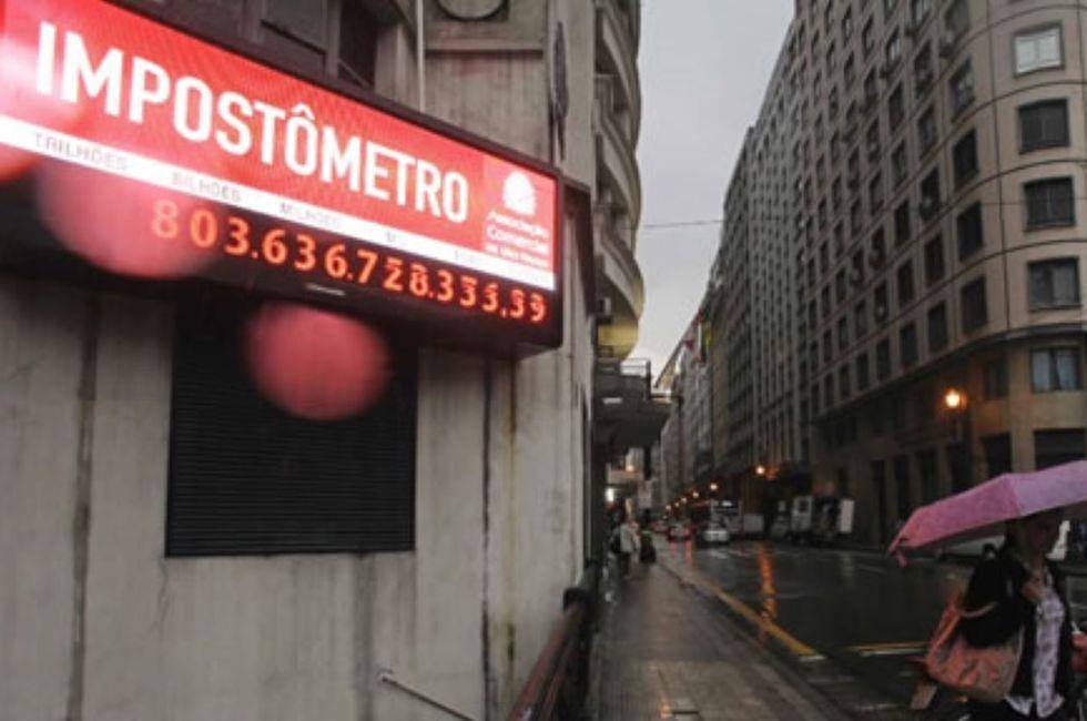 Impostômetro tem queda pela 1ª vez desde 2005