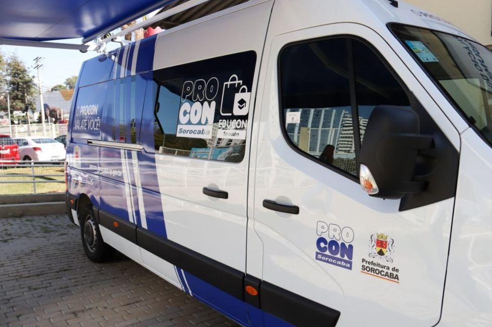 Procon leva serviços a 4 bairros da cidade