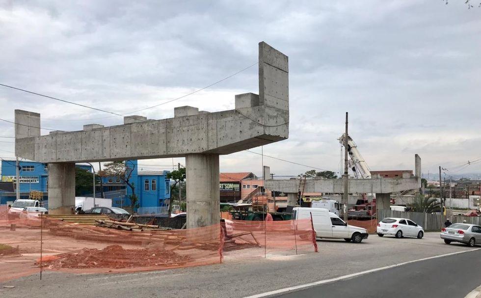 Viaduto da zona norte recebe as estruturas