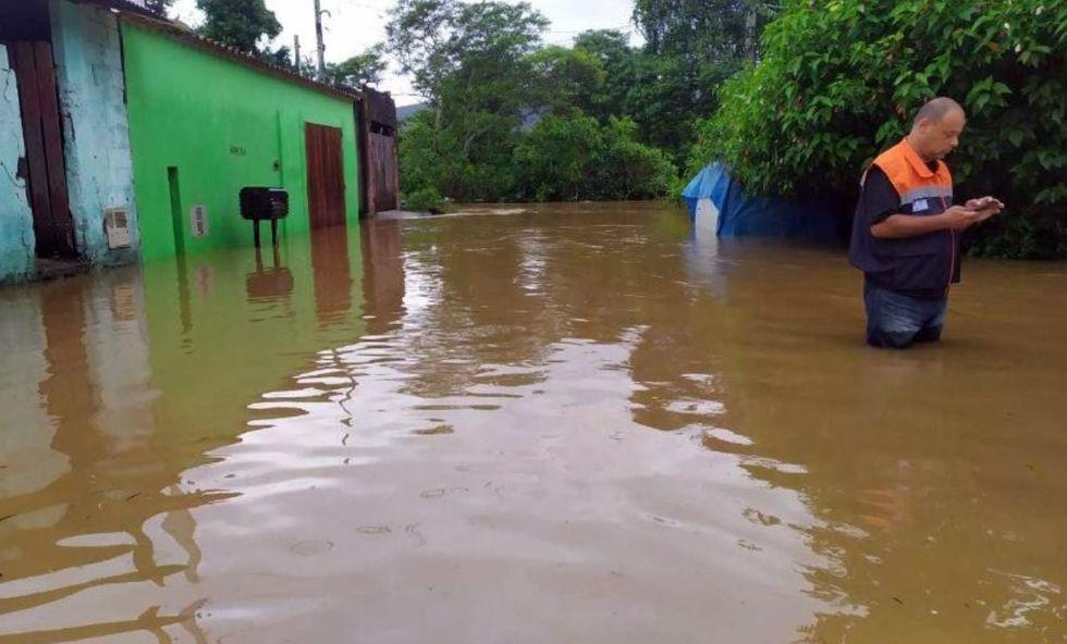 Chuva causa morte e deixa desabrigados