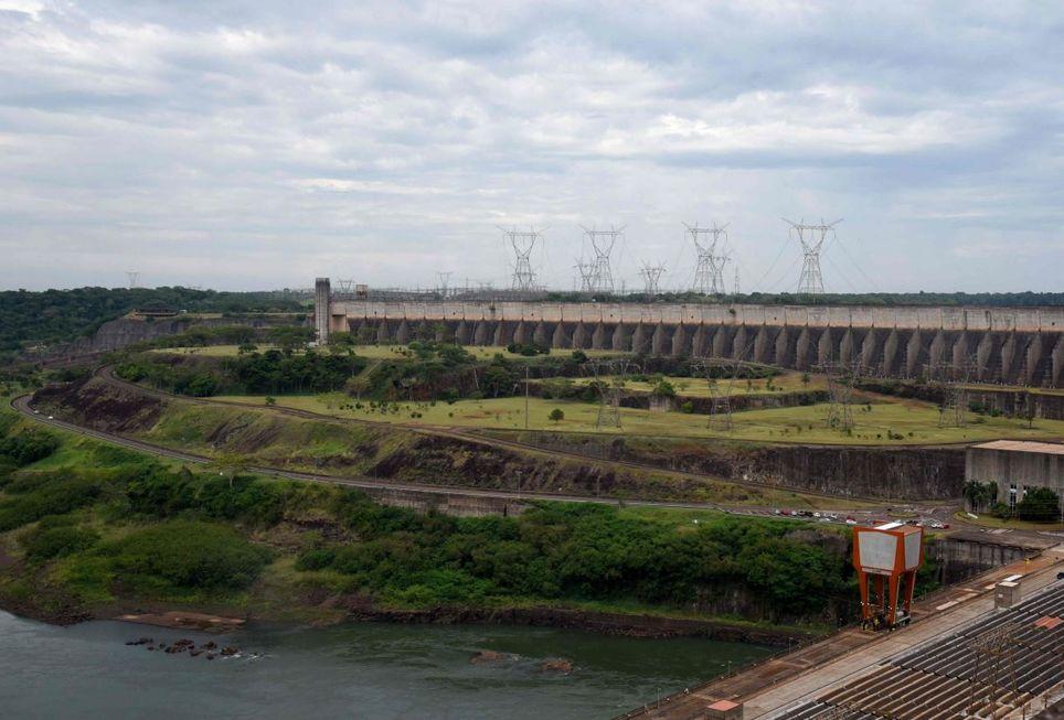 Anunciada revitalização do sistema elétrico de Itaipu