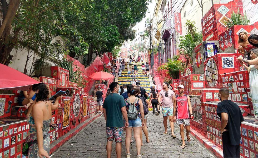 Apesar dos fiscais, Rio tem aglomerações