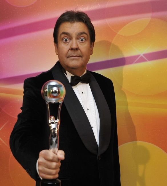Fausto Silva e Globo ainda não pensam no ano que vem