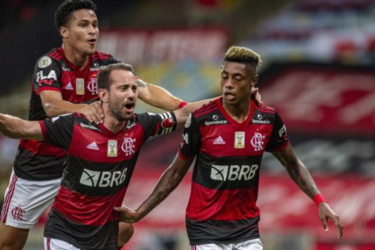 Flamengo vence e Colorado empata