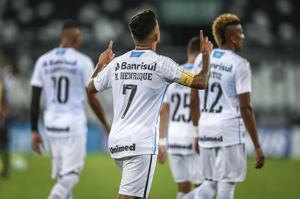 Grêmio faz 5 a 2 no rebaixado Botafogo