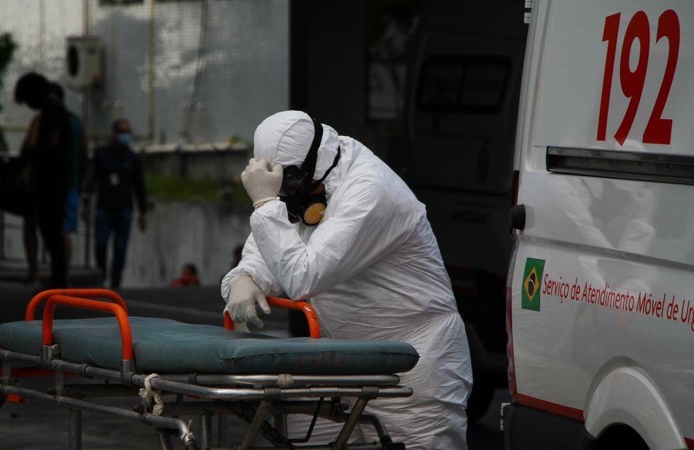 País encara pandemia em seu pior momento