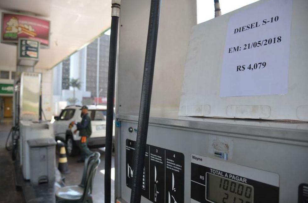 Presidente Bolsonaro zera imposto federal sobre diesel