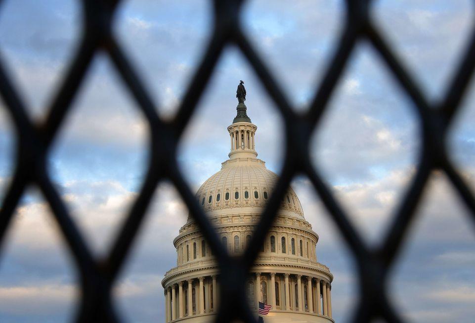 Senado dá início ao impeachment de Trump