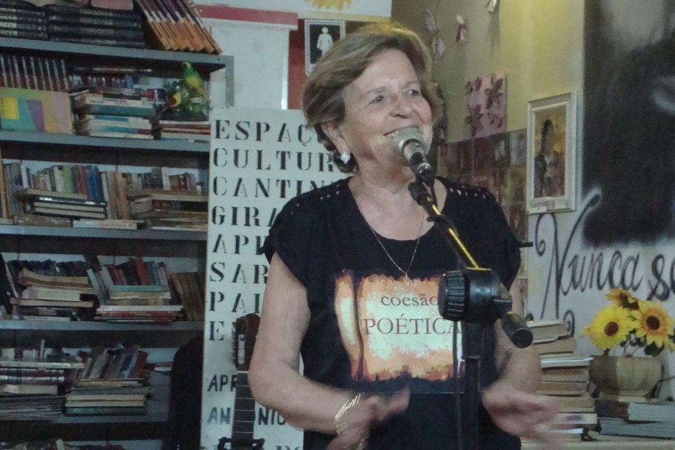 Sorocabana descobre-se poetisa depois dos 70 anos