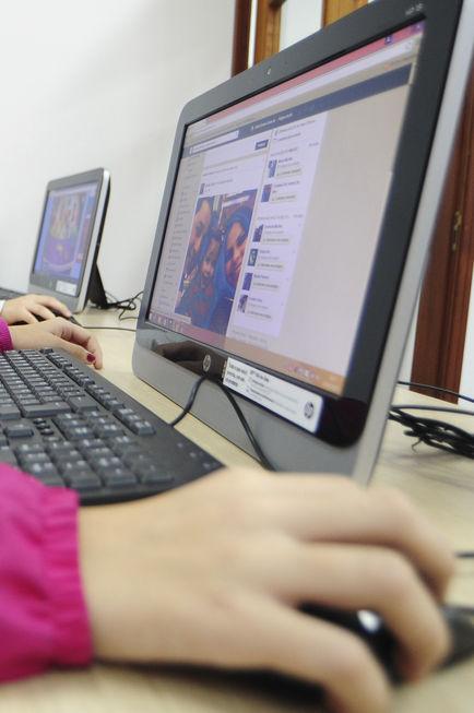 Ciberespaço deixa democracia de fora
