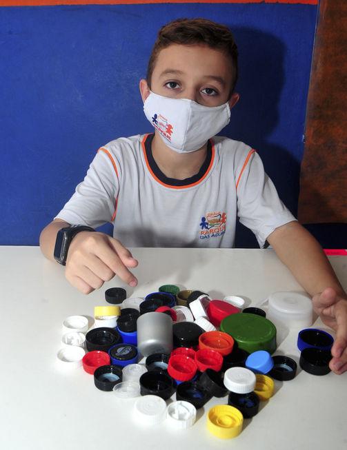 Crianças realizam trote solidário para ajudar entidades