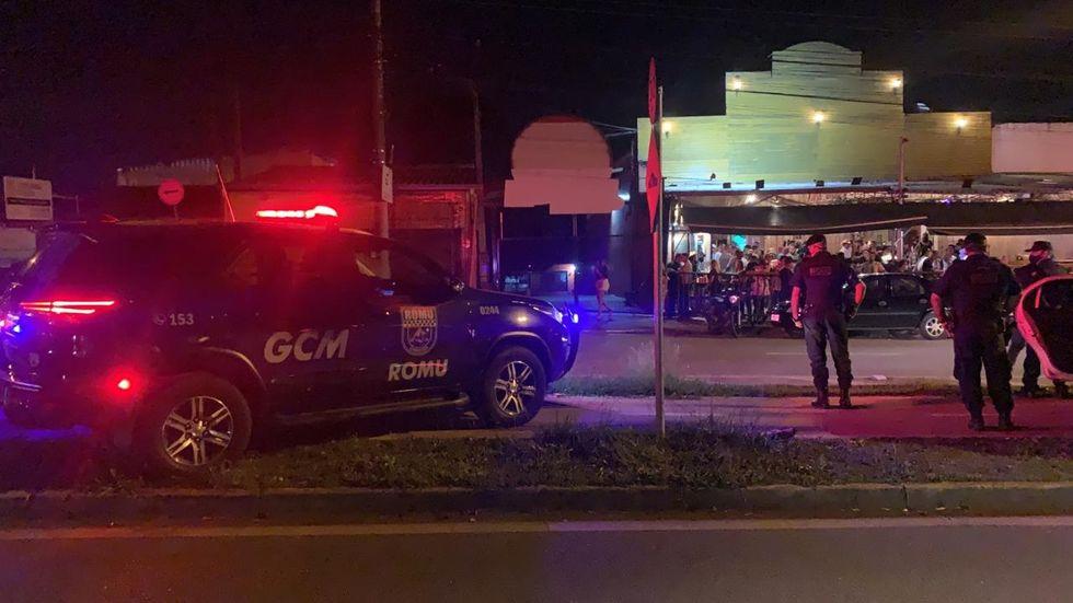 GCM dispersa aglomerações em três bairros