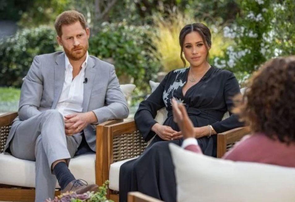 Harry e Meghan acusam família real de racismo