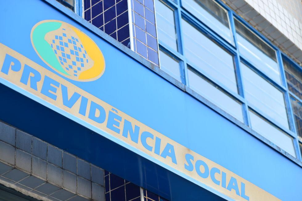 INSS continua a conceder auxílio-doença sem perícia