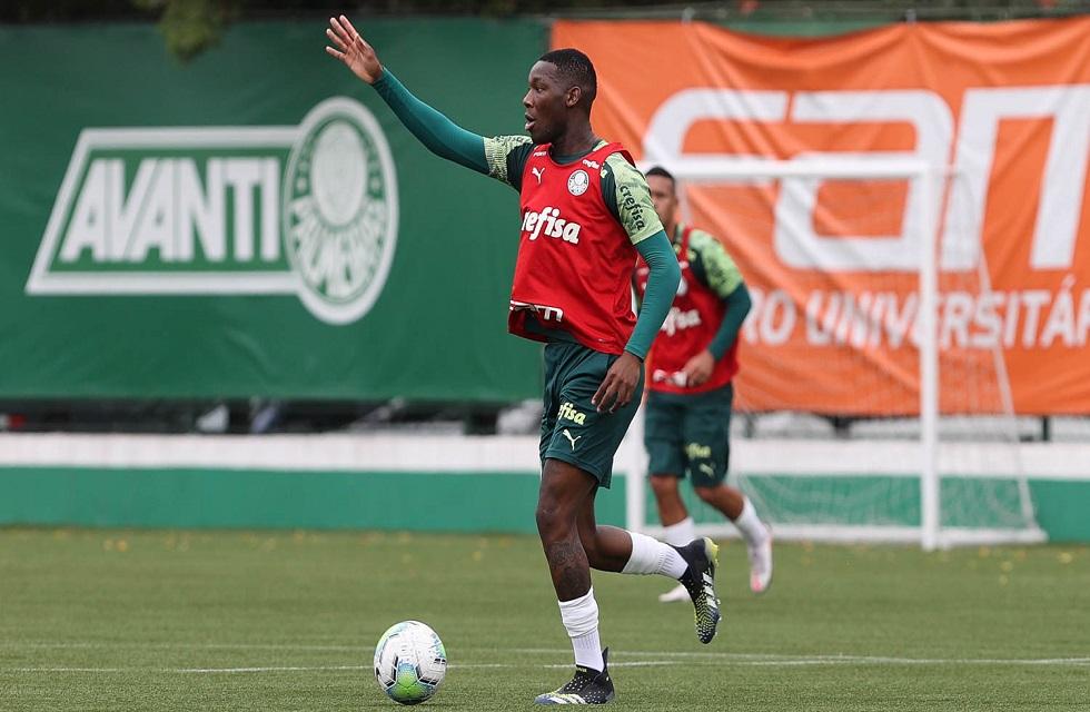 Patrick de Paula retorna de isolamento e vira opção no meio de campo do Palmeiras para a final da Copa do Brasil.