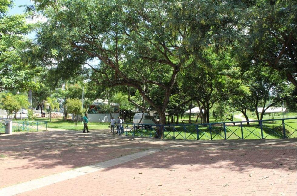 Prefeitura incentiva a adoção de praças, parques ou áreas
