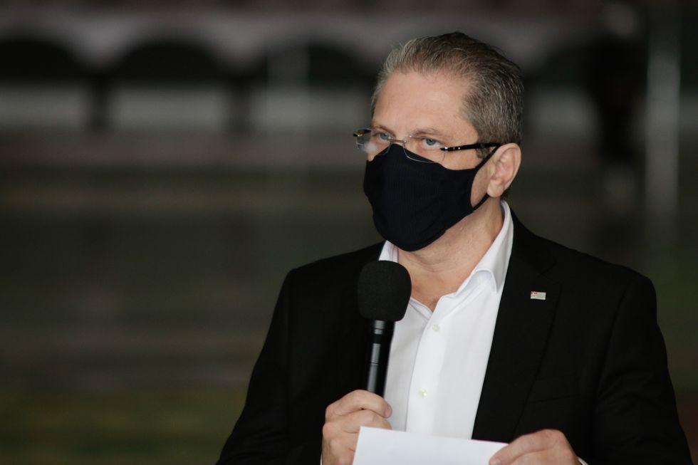 Secretário de SP cobra Saúde por kit intubação