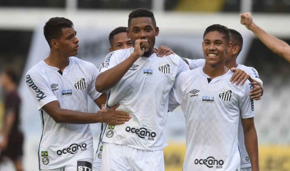 Sabino torce por sequência no Santos