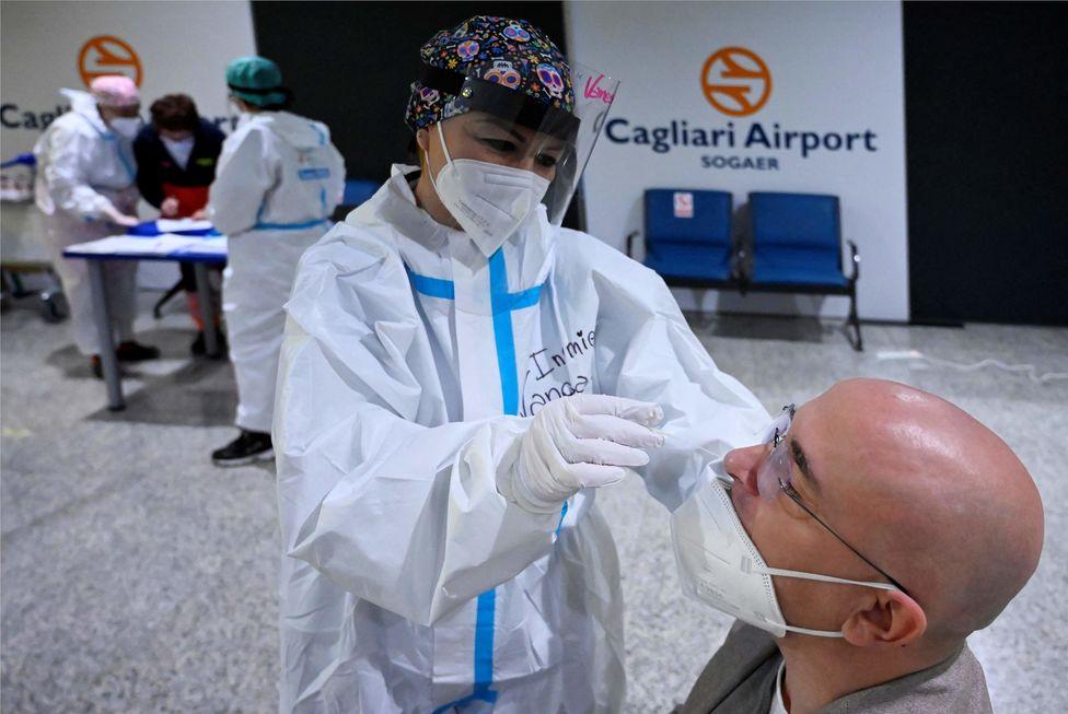 Viajantes podem ter de comprovar imunização