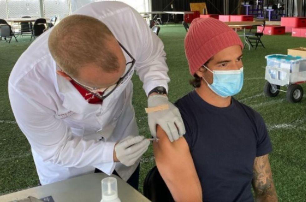 Alexandre Pato é vacinado em Orlando