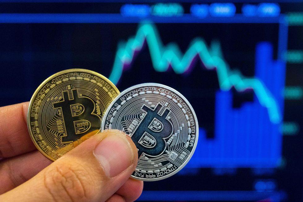 Bitcoin chega à bolsa dos EUA atinge recorde
