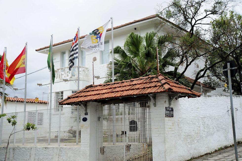 Casa de España permanece em atividade