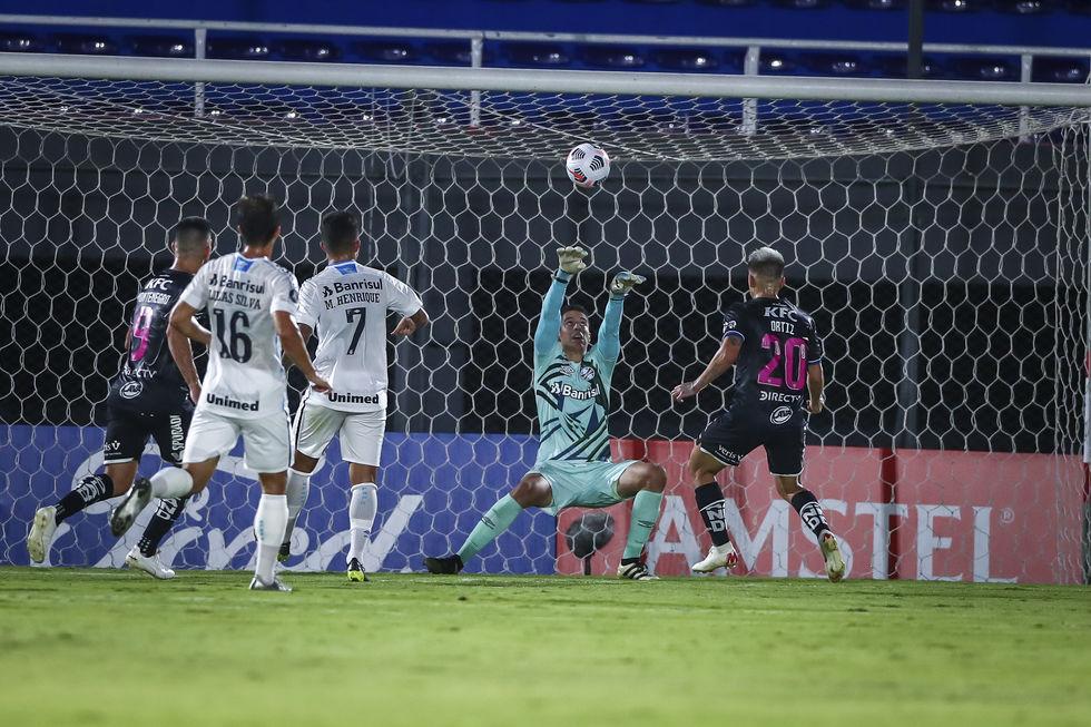 Grêmio cede virada ao Independiente
