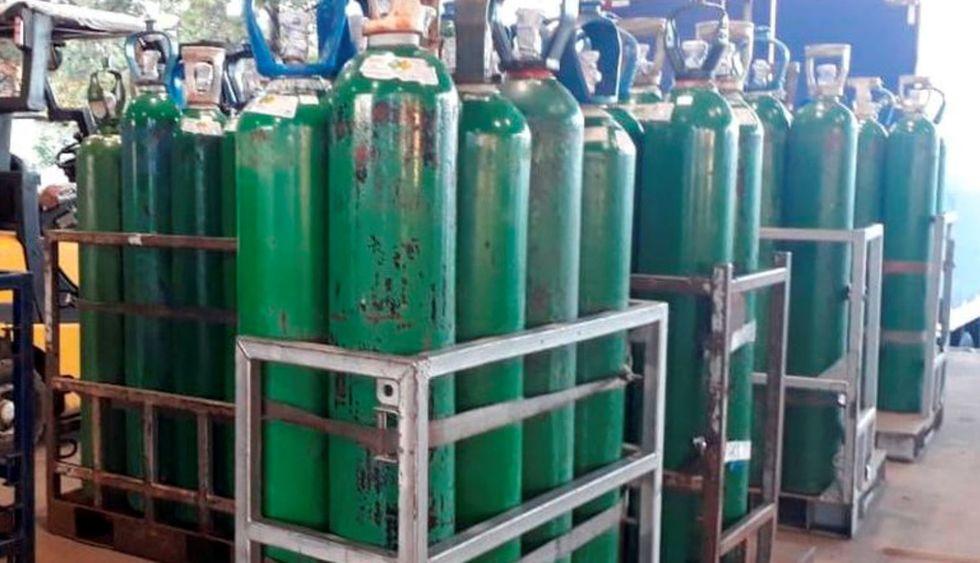 Mais cilindros de oxigênio