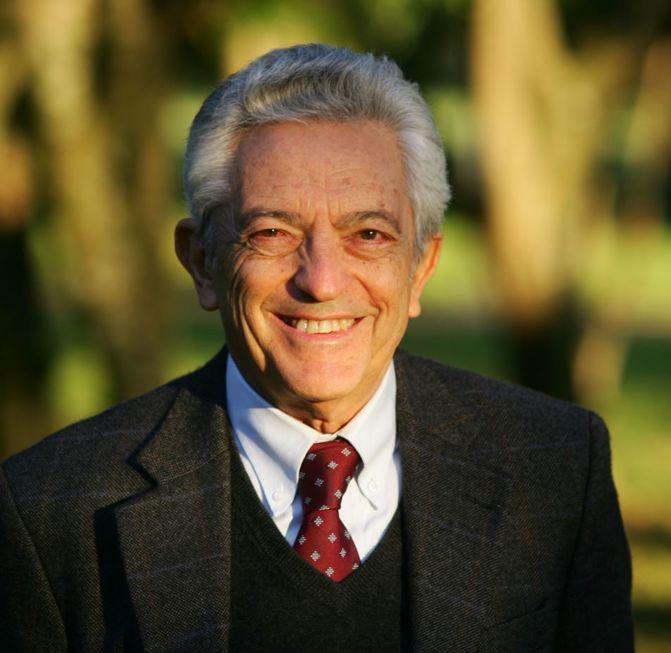 Morre aos 84 crítico literário Alfredo Bosi