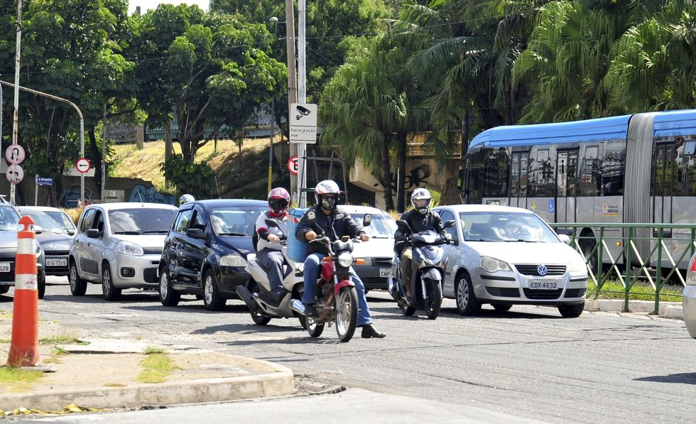 Novas regras de trânsito entram em vigor