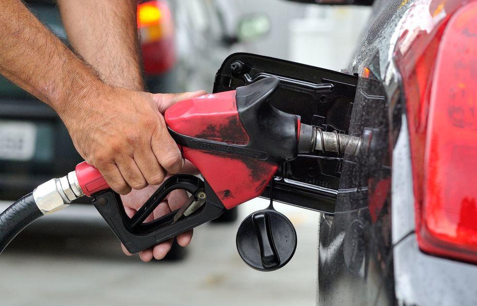 Puxado por combustíveis, IPCA subiu 0,93% em março