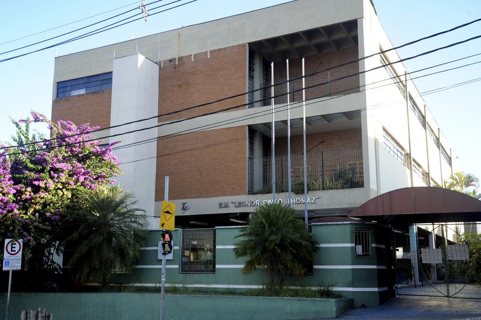 Escola Municipal Leonor Pinto Thomaz está localizada na região central da cidade. Crédito da foto: Fábio Rogério / Arquivo JCS (29/4/2020)