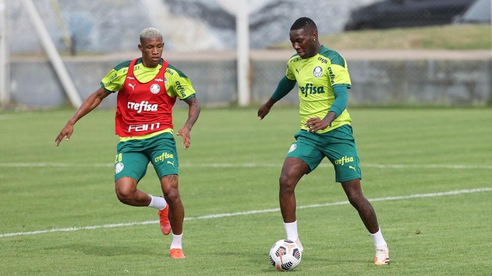 Palmeiras treina e se mantém pronto para jogar domingo